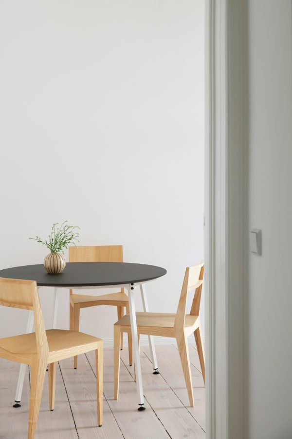 Easy Table Round / Black Base